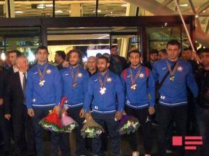 AVRO-2017-də beş medal qazanan Azərbaycan cüdo yığması Vətənə dönüb