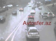 Bakıda mini «yubkalı» qıza yol verən sürücülər qəzaya düşdü – REAL VİDEO