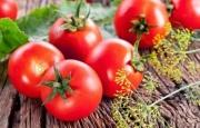 Bərk pomidorları alarkən diqqətli olun