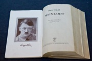 "Hitlerin ""Mayn Kampf"" kitabı Almaniyada bestseller oldu"