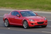 Mazda 374 min avtomobili geri çağırır