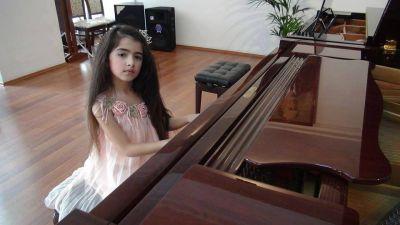 6 yaşlı bakılı qız film çəkdi - Azərbaycan ondan danışır-VİDEO