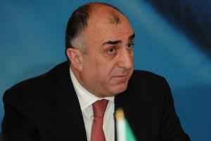 Azərbaycan Rusiya ilə Türkiyə arasında