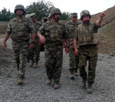 Müdafiə naziri general-polkovnik Zakir Həsənov Əsgərlərlə nahar etdi - (FOTOLAR)