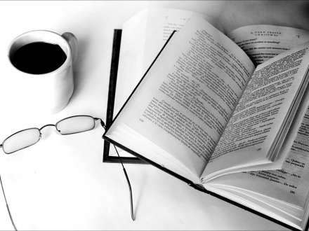 """Yazarlar narazıdır: """"Heç bir şərait yoxdur, zorla nəfəs alırıq"""""""
