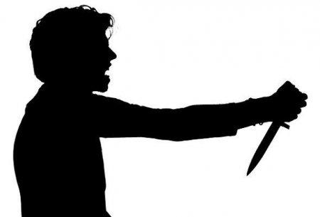 12 yaşlı uşaq özünü bıçaqladı
