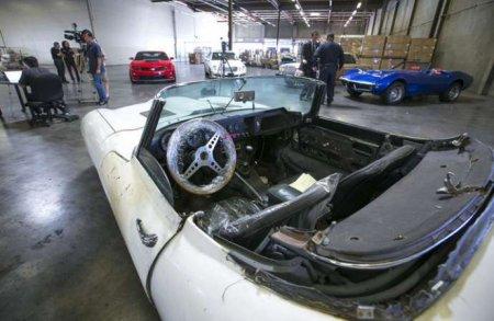 Oğurlanmış avtomobil düz 46 ildən sonra sahibinə qaytarıld