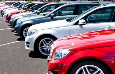 Avtomobil satışı tam dayanıb