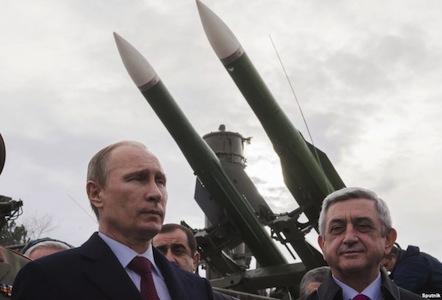 """Putindən """"dostluq"""" medalı alanlar niyə susur?"""