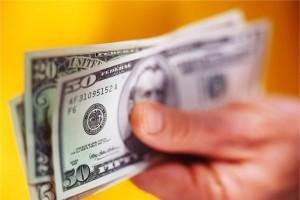 Banklar dollar satışını kütləvi şəkildə dayandırır