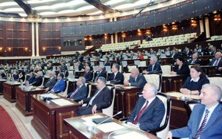 Xalqın güzəranı pisləşir, deputatlar isə mənzil hayında - Analoqsuz mənzərə