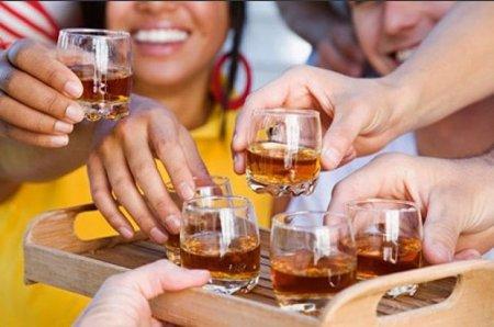 Spirtli içki insanın beynini dəyişdirir