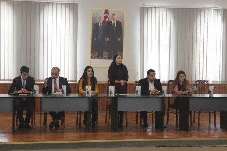 """Nərimanov rayonunda """"Gənclərin Biznes Məktəbi"""" layihəsi çərçivəsində növbəti təlim keçirilib."""
