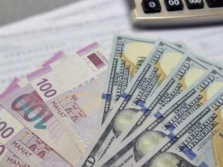 Dolların kursu yenə rekord vurdu - Rəsmi