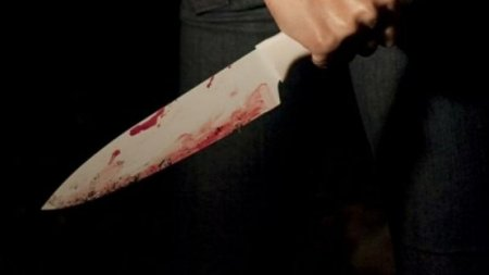 Gəncədə oğul anasını bıçaqladı