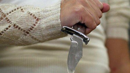 ŞƏMKİRDƏ DƏHŞƏT: Toya çağırılmadığı üçün bəyi bıçaqladı - FOTO