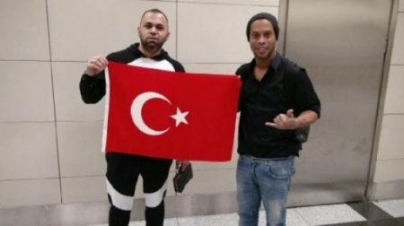 Ronaldinho Türkiyədə  - FOTOLAR