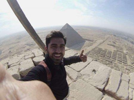 Piramidaya qalxan ilk türk başına bəla açdı - VİDEO