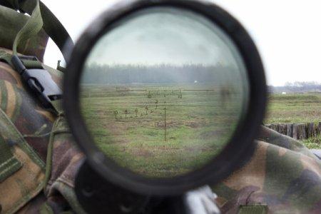 Snayperimiz canlı yayımda erməni əsgərini vurdu - Video